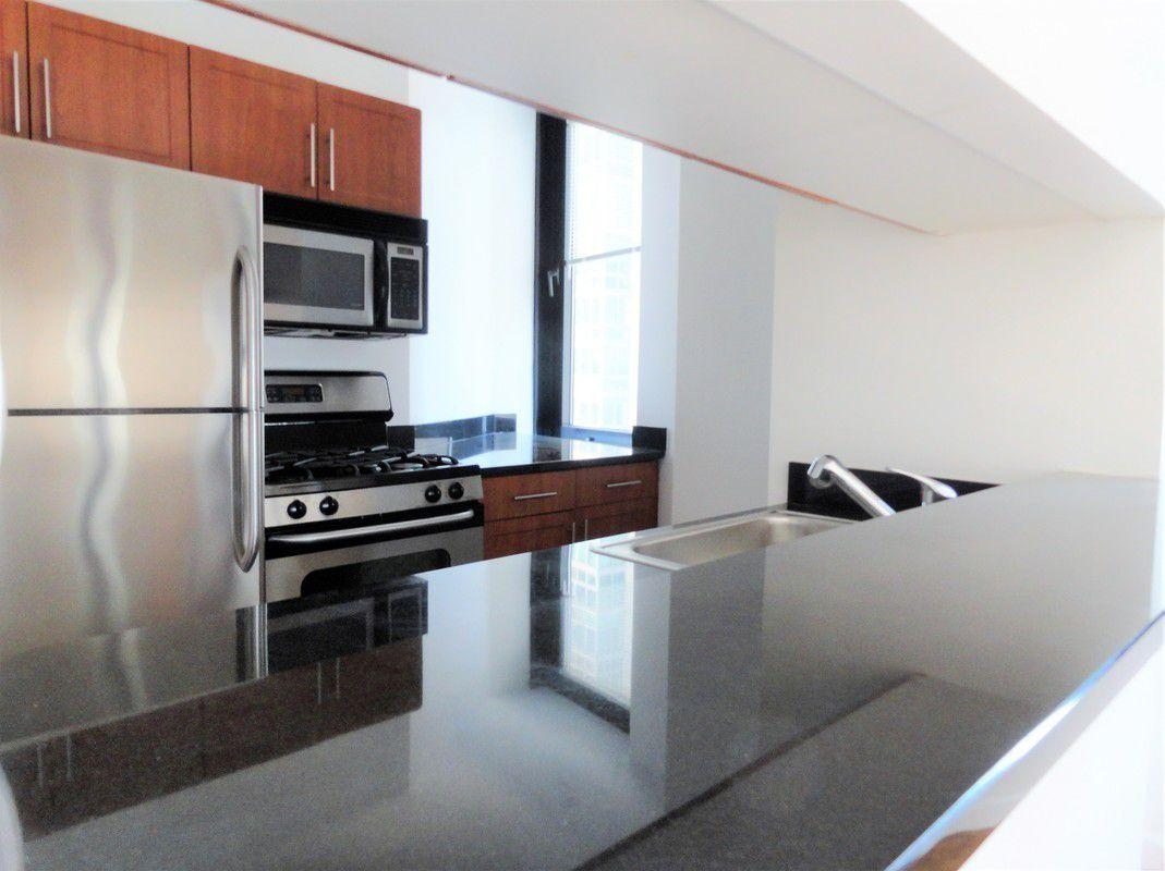 100 Maiden Lane apartments Kitchen