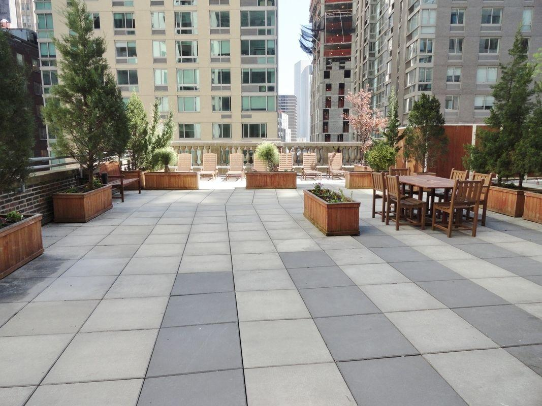 100 Maiden Lane Roof Deck – Financial District Rental Apartments