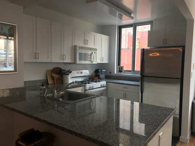 111 Worth Street Kitchen - NYC Rental Apartments