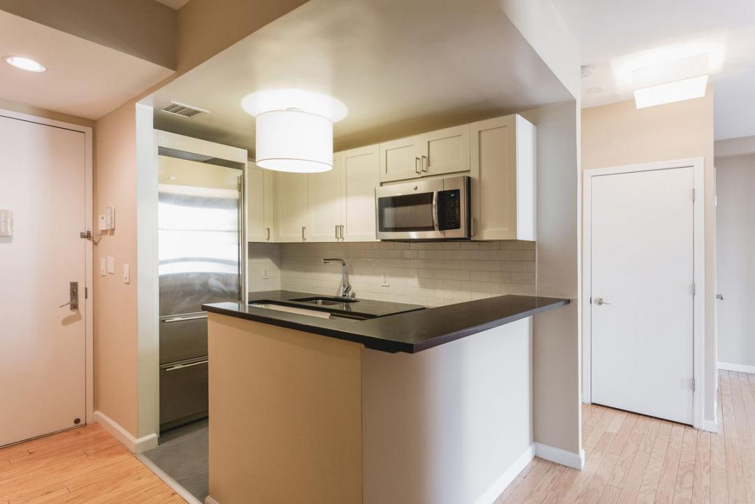 Open Kitchen at The Milan in Chelsea - Apartments for rent