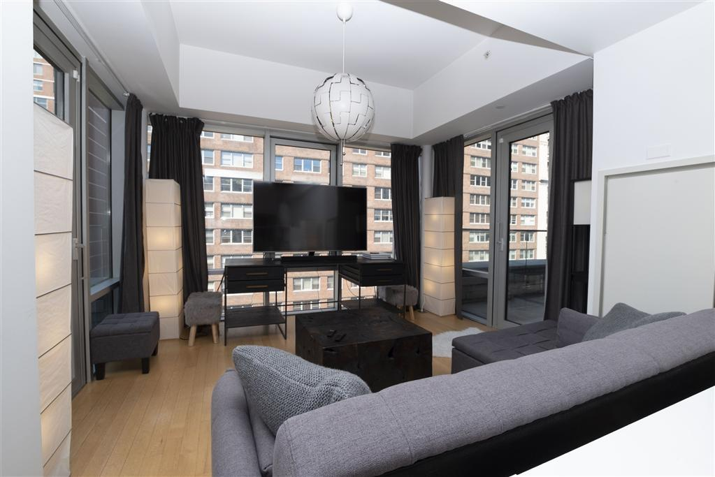 14 West 14th Street Living Room – Manhattan Apartments for rent