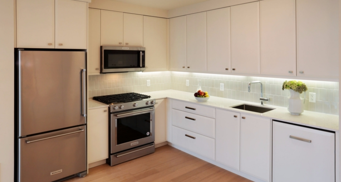 Open Kitchen at 153 Remsen Street in NYC - Apartments for rent