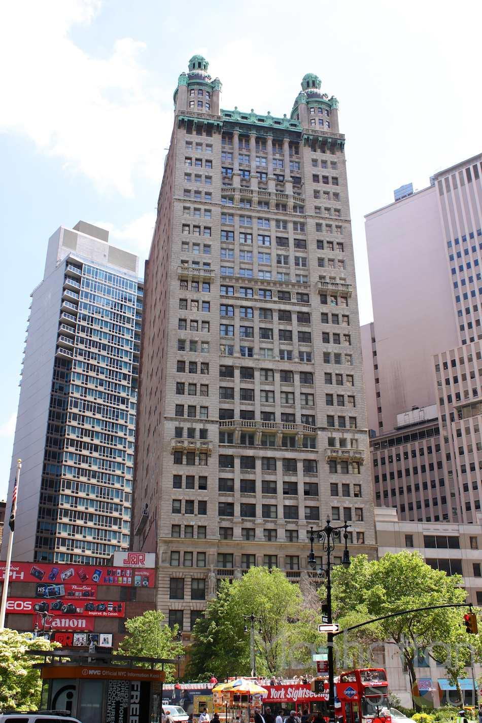 15 Park Row Building - Financial District Apartment Rentals