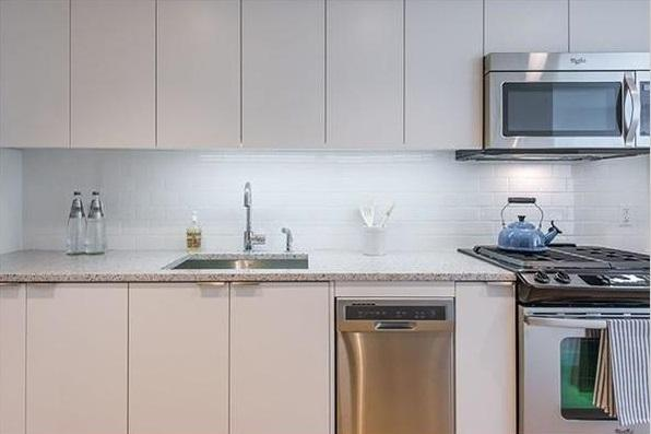 Apartments for rent at 170 Amsterdam Avenue in Lincoln Square - Kitchen