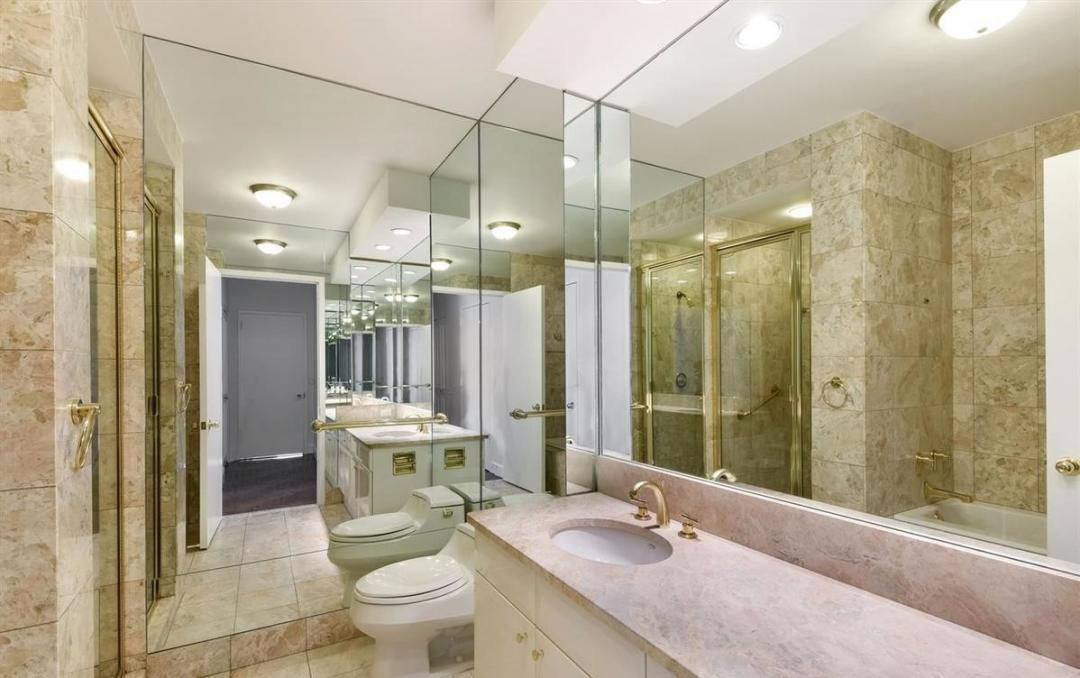 Apartments for rent at 200 Riverside Boulevard - Bathroom