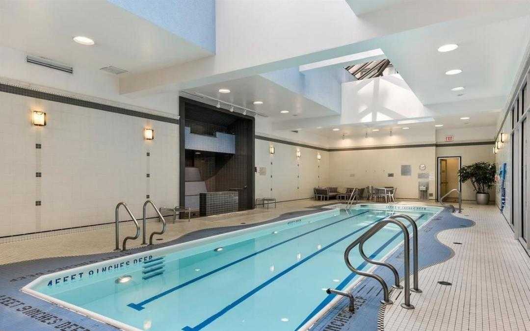 Apartments for rent at 200 Riverside Boulevard - pool