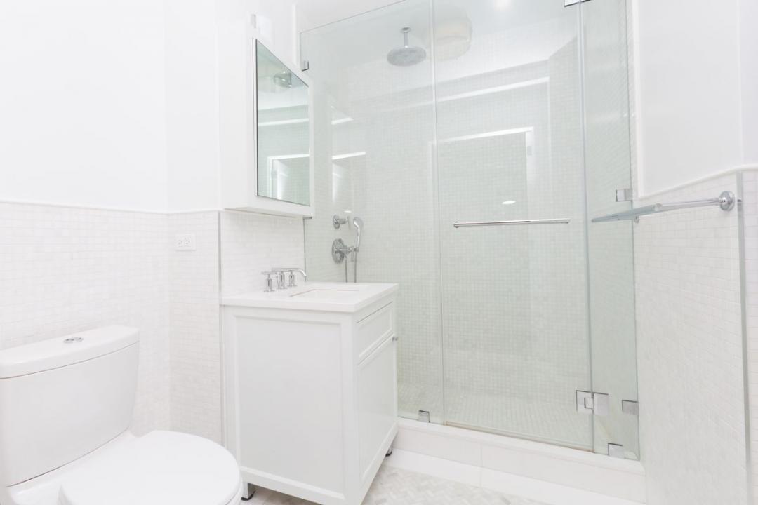 210 West 70th Street - Upper West Side Rentals, NYC Bathroom