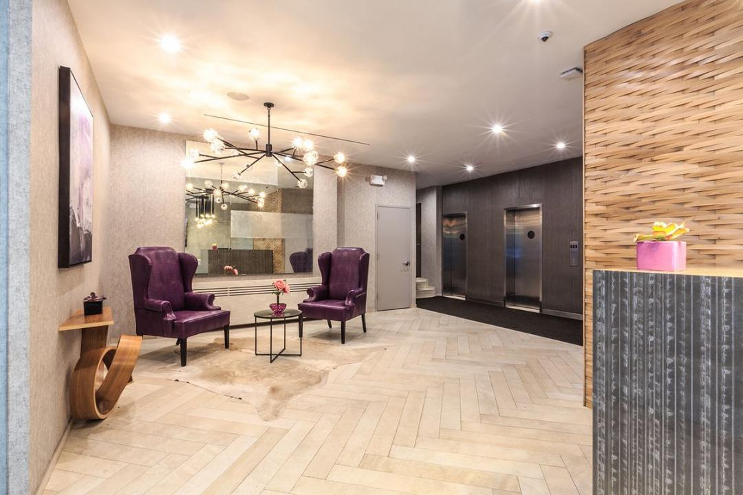 210 West 70th Street - Upper West Side Rentals, NYC Lounge
