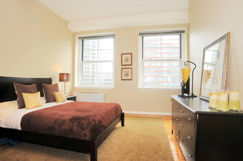 Condos for rent at 21 West Street in NYC - Bedroom