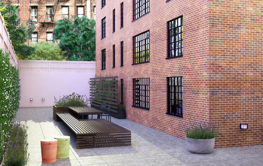 Rentals at 25 Monroe Place in NYC - Landscaped Outdoor Garden