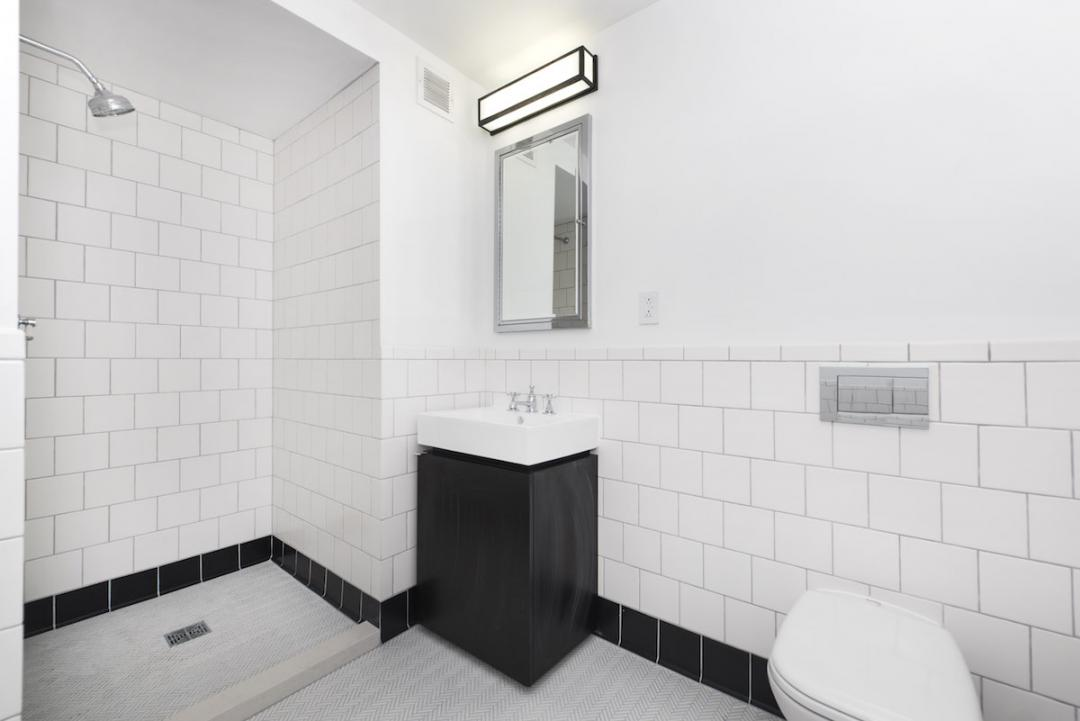 Rentals at 275 South Street in Lower East Side - Bathroom