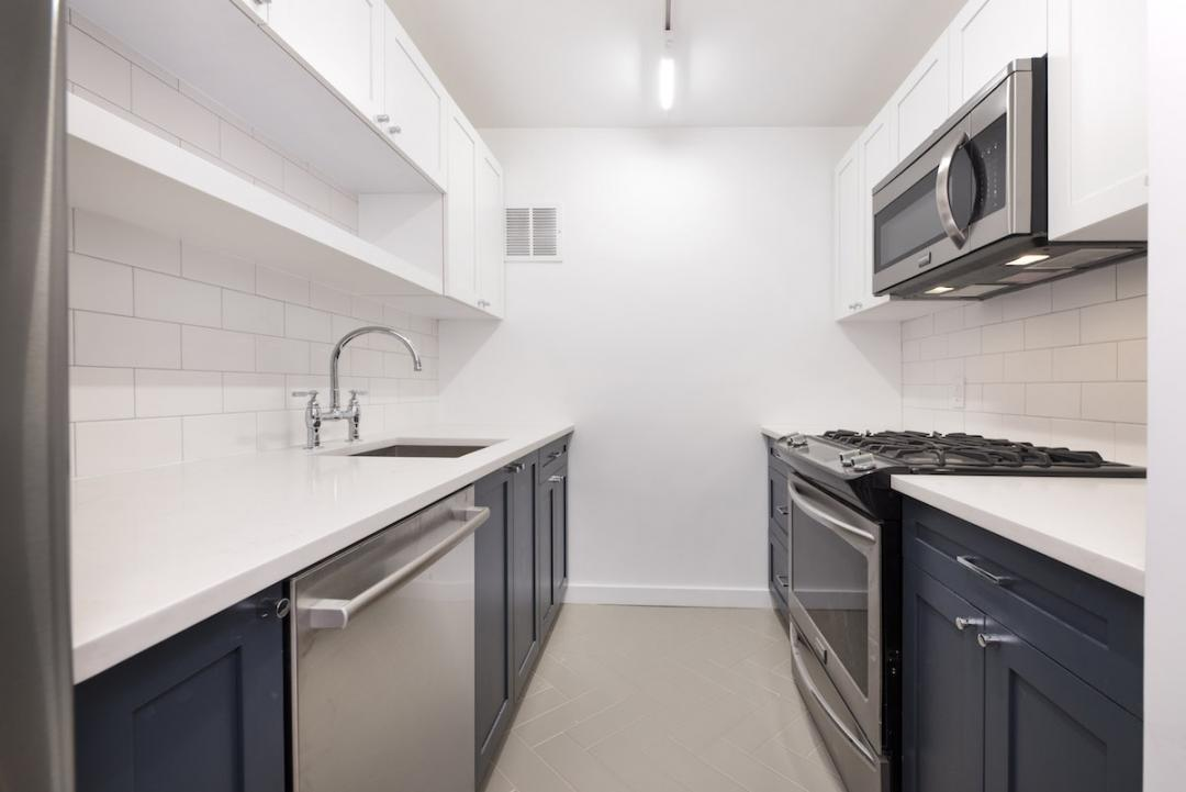 Apartments for rent at 275 South Street in NYC - Kitchen