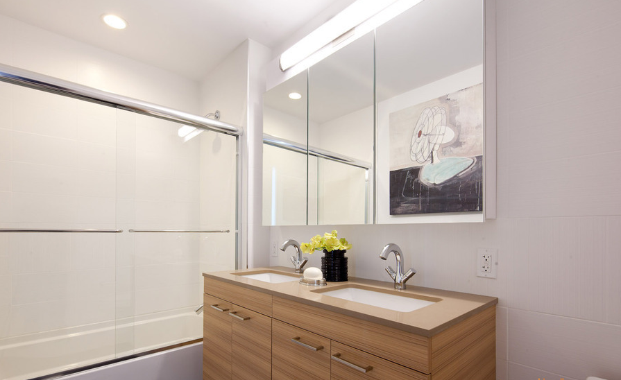 42-17 27th Street Bathroom New York Luxury Rentals