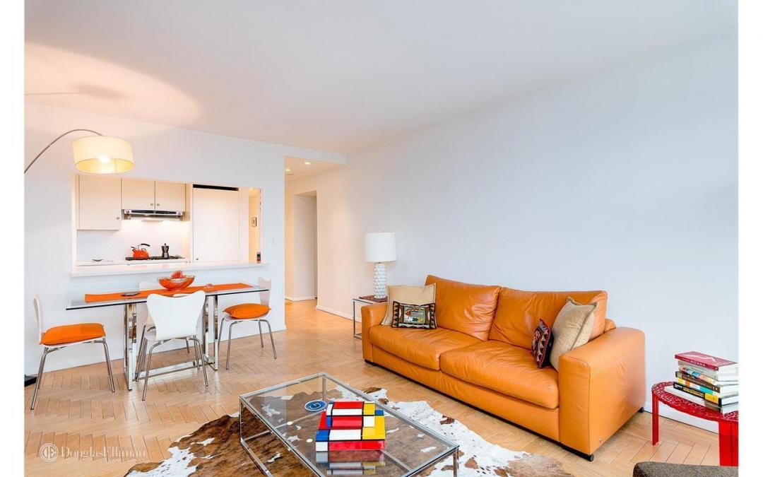 Apartments for rent at 3 Lincoln Center - Living and dining area