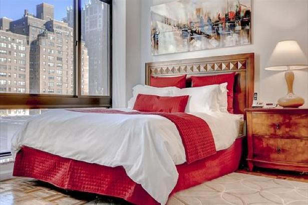 Bedroom of Rental Apartment at 300 East 39th Street