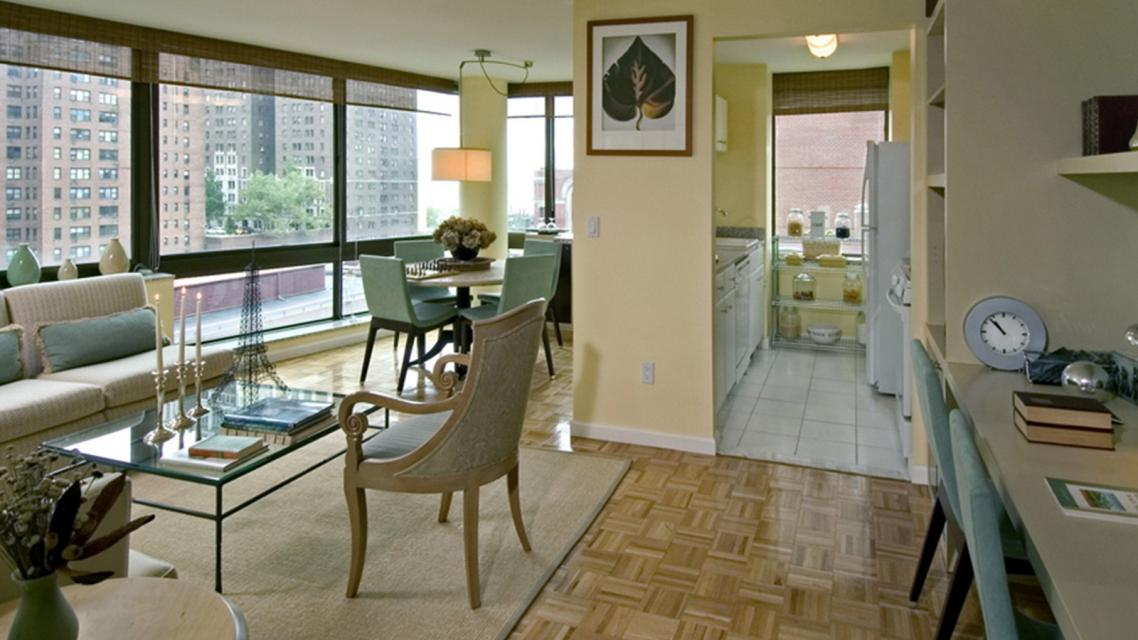 Rental Apartments at 300 East 39th Street  Living Room
