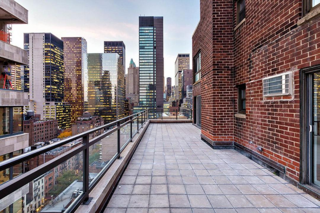Apartments for rent at 300 East 51st Street in NYC - View