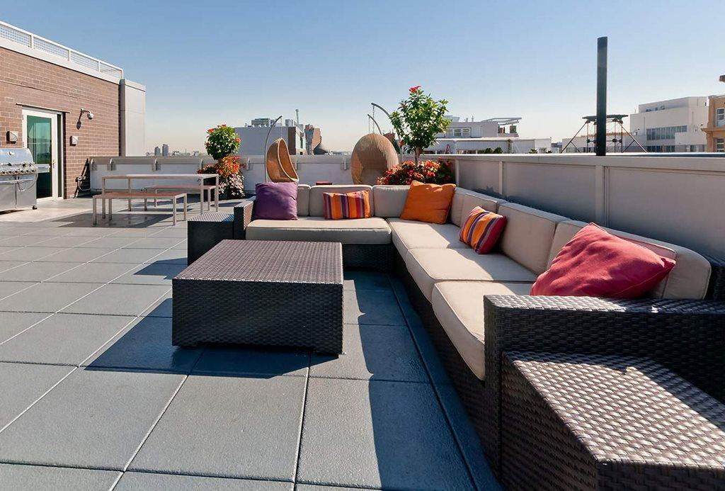 Rooftop Deck at 34 Berry Street in NYC - Apartments for rent