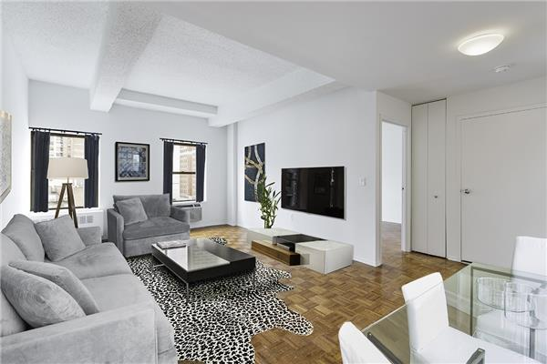 Living Room at 360 West 34th Street in Hudson Yards - Apartments for rent