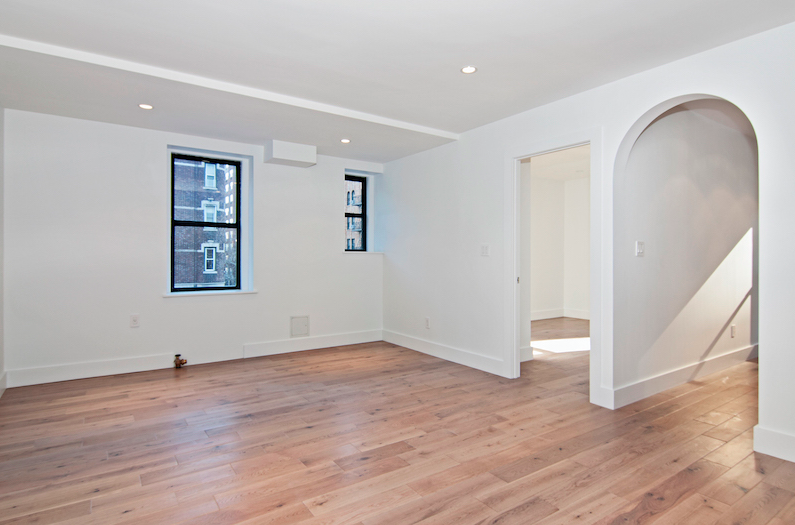 Rentals at 361 East 50th Street in NYC - Living Room