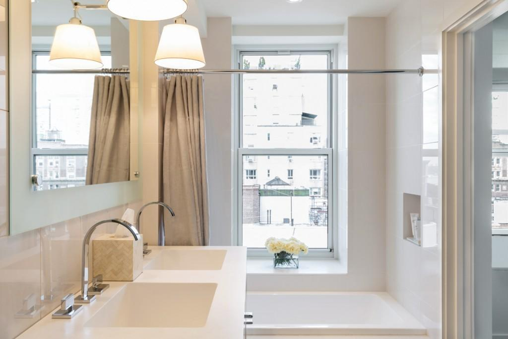 Apartments for rent at 393 West End Avenue in NYC - Bathroom