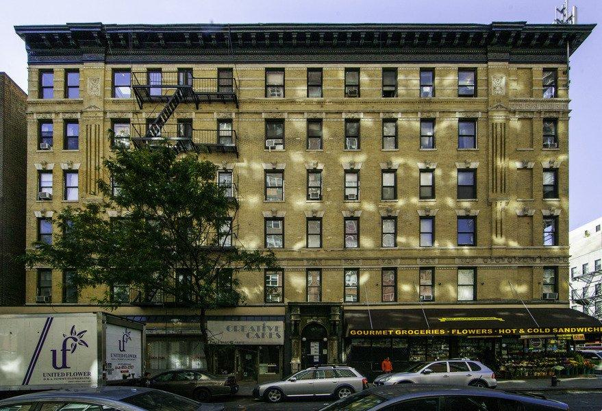 Apartments for rent at 400 East 74th Street in NYC