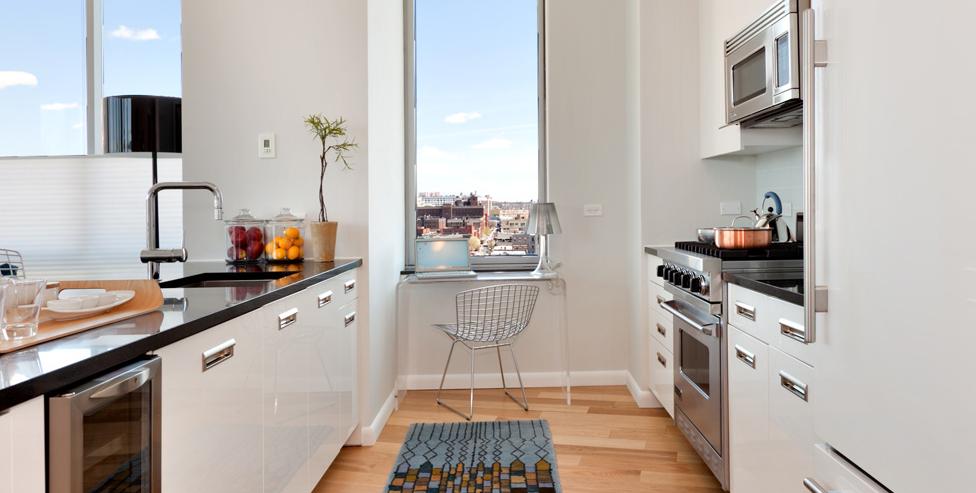 4630 Center Boulevard Kitchen, Luxury Rentals, NYC