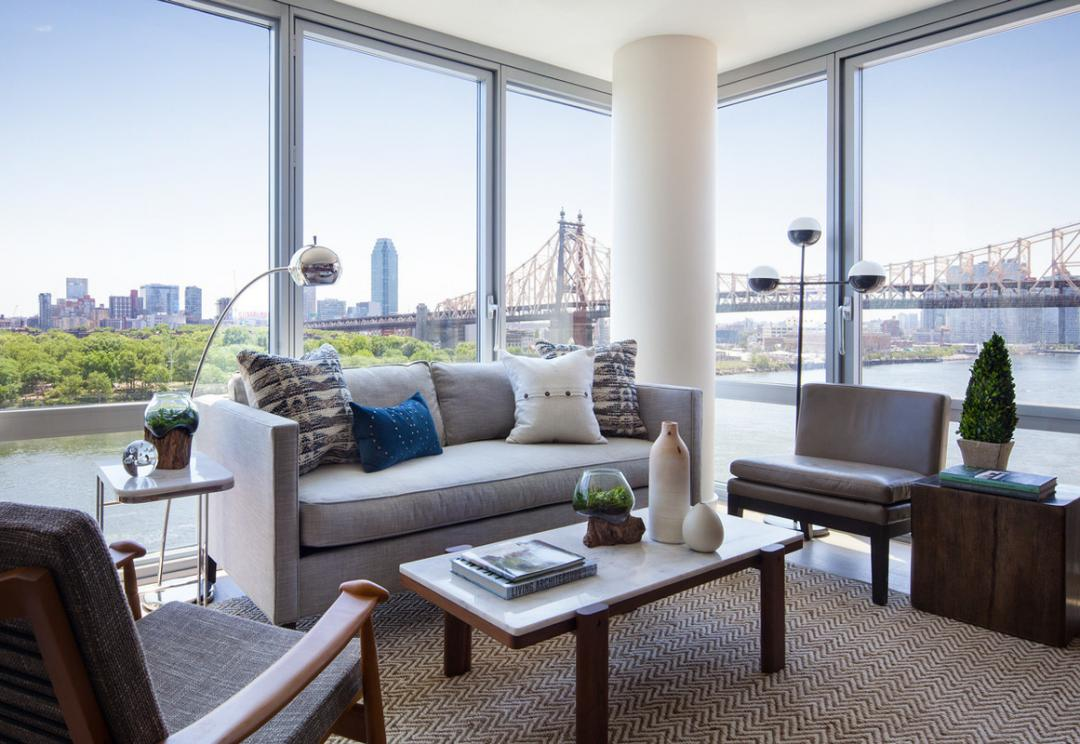 Apartments for rent at Riverwalk Point in NYC - Living Room