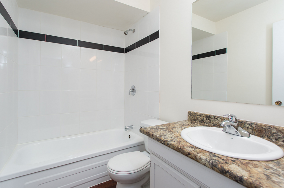 515 Ninth Avenue Cassa Residences NYC Luxury Rentals Bathroom