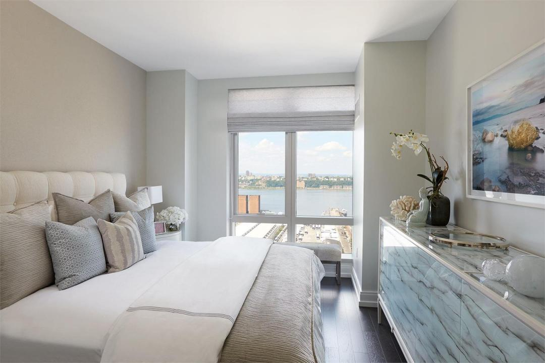 Condos for rent at 555 Tenth Avenue in NYC - Bedroom