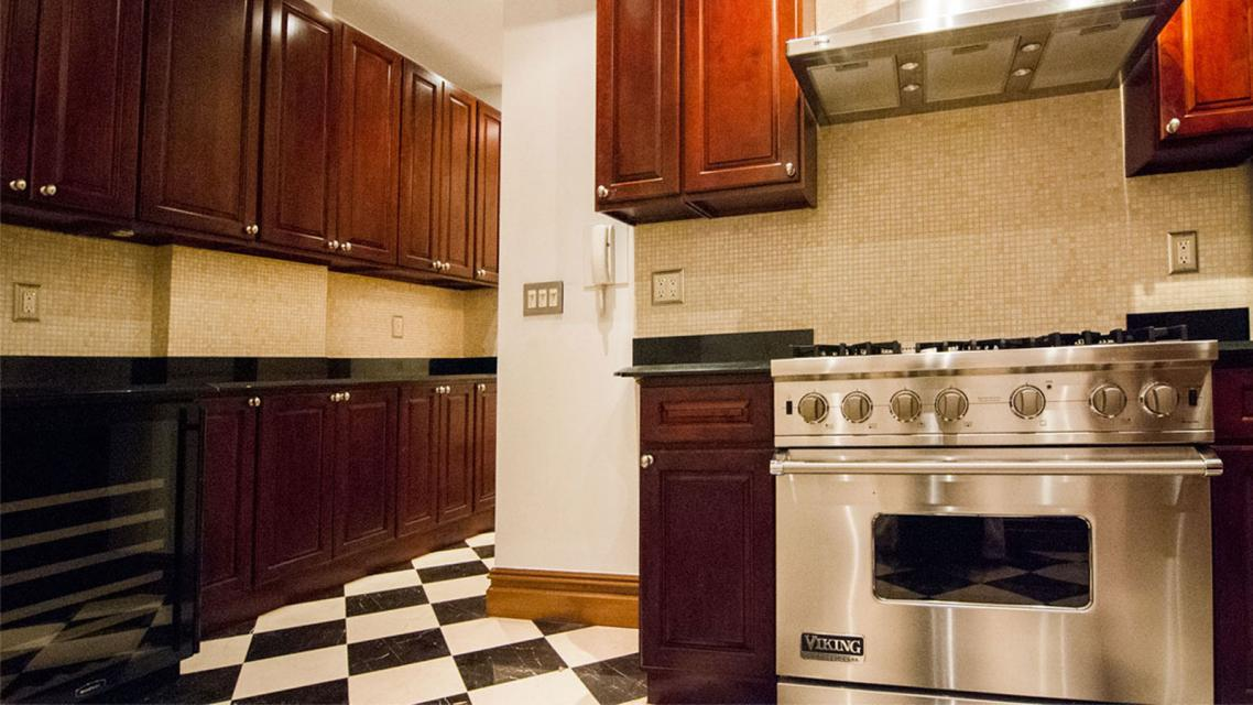 Condos for rent at 575 West End Ave in NYC - Kitchen