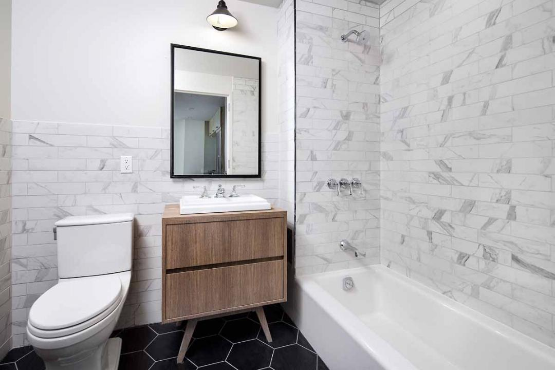 Condos for rent at 72 Box Street in NYC - Bathroom