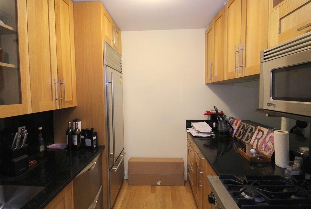 Kitchen- Greenwich Club Residences