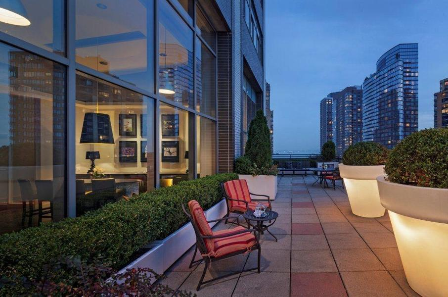 90 Washington Street Roof Deck - Financial District Rental Apartments
