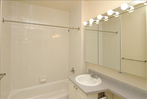 Rental Apartments at 71 Broadway Bathroom