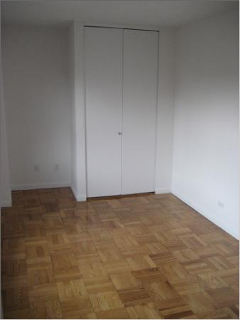 150 East 58th Street Bedroom - Manhattan Apartments for rent