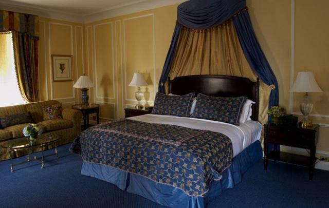 100 East 50th Street Bedroom - Midtown East Rental Apartments