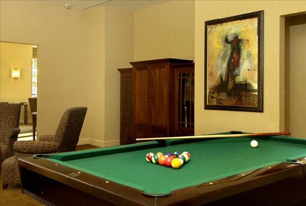 Trump Place rental building Lounge – NYC Flats