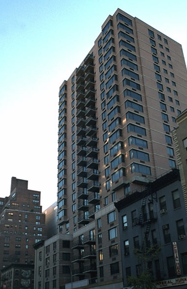 Manhattan Promenade Building - 344 Third Avenue apartments for rent