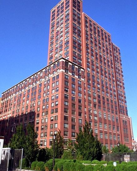 Tribeca Bridge Tower Building - 450 North End Avenue apartments for rent