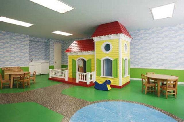Paramount Tower Children Playroom - Manhattan Apartments for rent