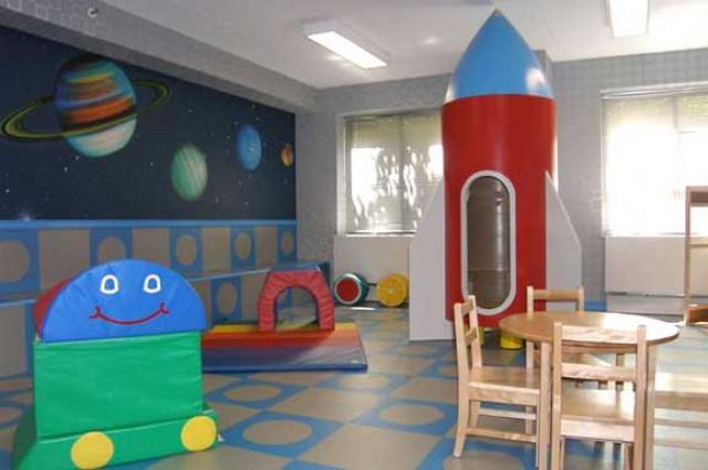 Hampton Court rental building Children Playroom - NYC Flats