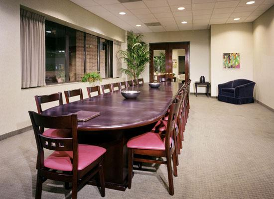 Le Triomphe Conference Room - Manhattan Apartments for rent
