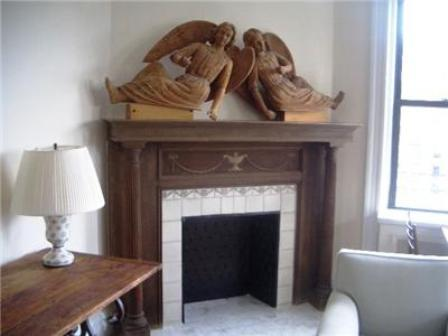 La Rochelle apartments fireplace