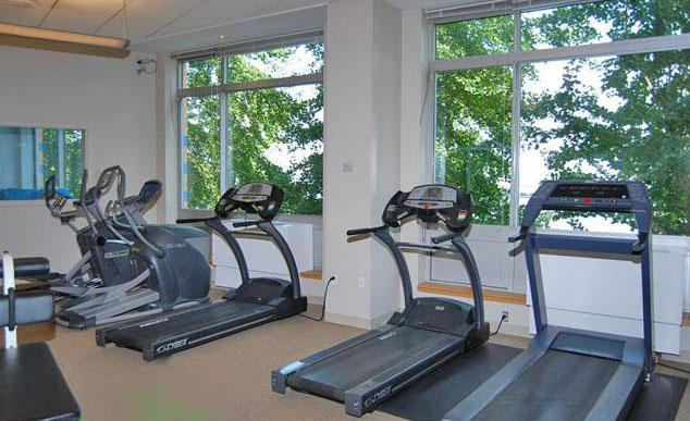 Tribeca Pointe Fitness Center - 41 River Terrace apartments for rent