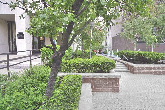 201 East 87th Street Garden - Upper East Side Rental Apartments