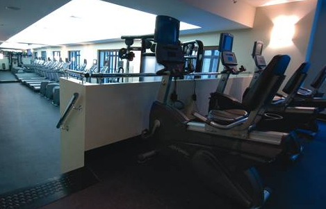 The Crest Fitness Room - Manhattan Apartments for rent