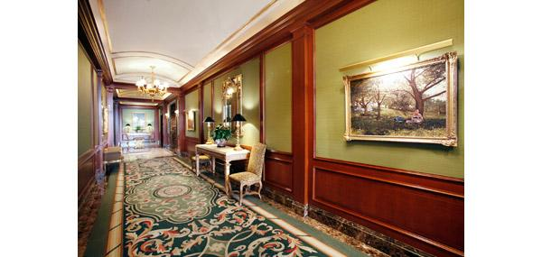 Paramount Tower Hallway - Murray Hill Apartment Rentals