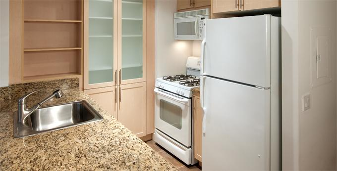 Rental Apartments at 10 Hanover Square Kitchen