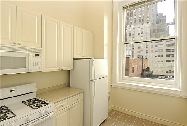 71 Broadway apartments for rent Kitchen